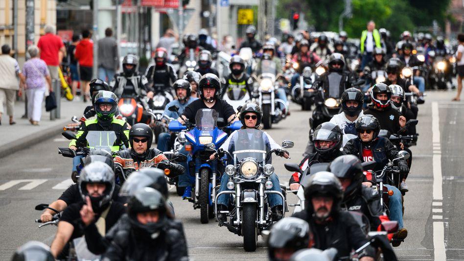 In Wiesbaden und anderen Städten demonstrierten Tausende Biker gegen mögliche Fahrverbote