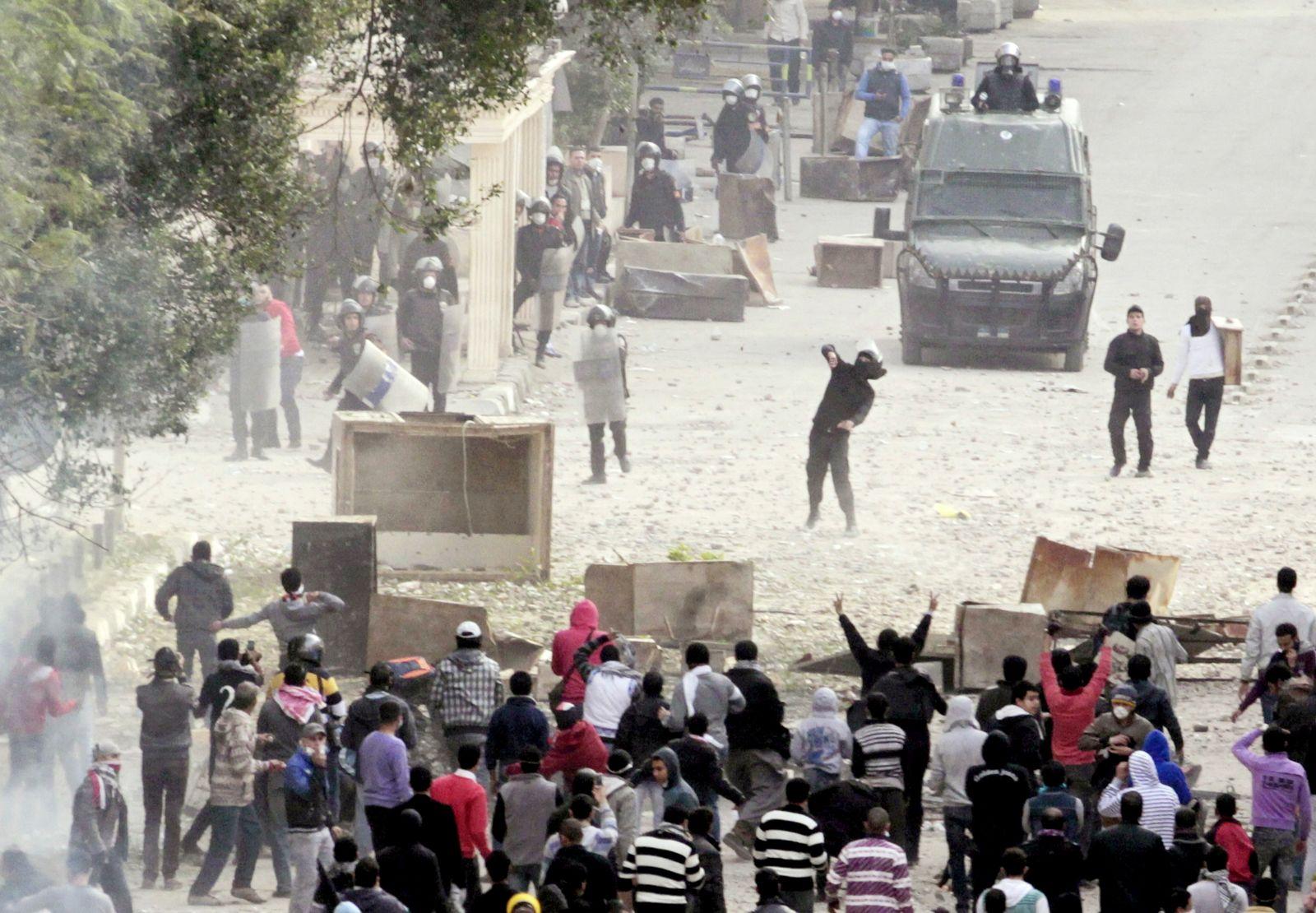 DER SPIEGEL 6/2012 pp 92 SPIN Ägypten