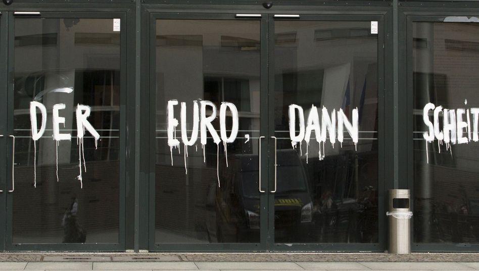 Graffiti in Berlin: Die Krise bricht Deutschlands ideologische Lager auf
