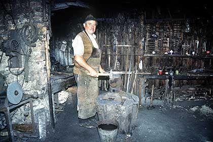 Sibiel: Der Dorfschmied arbeitet wie zu Großvaters Zeiten