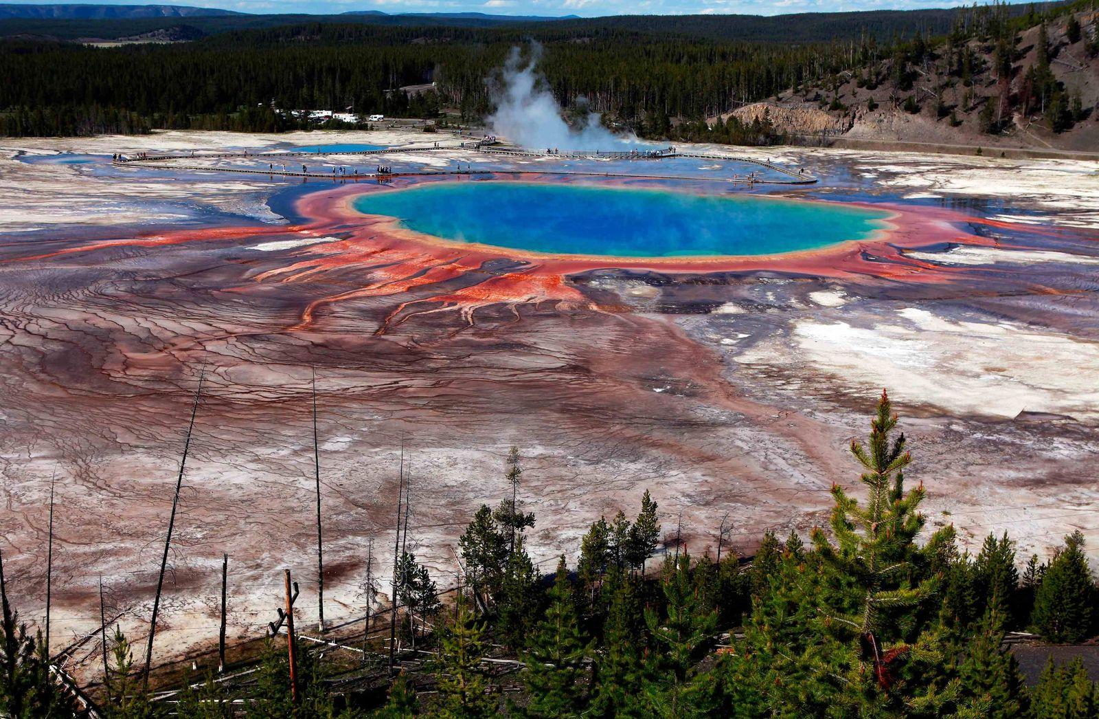 EINMALIGE VERWENDUNG Heiße Quelle Yellowstone