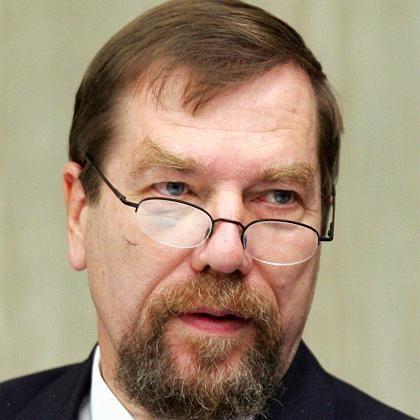 NPD-Vizechef Jürgen Rieger: Ermittler entdecken Sturmgewehr in seinem Haus