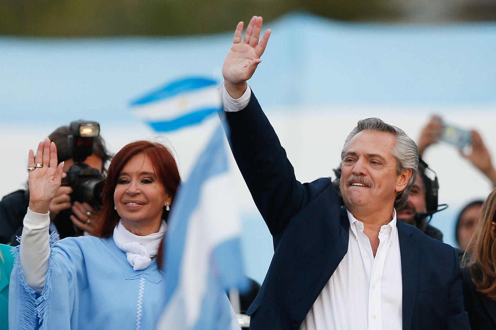 Campaign closure of Alberto Fernandez in Mar del Plata, Argentina - 24 Oct 2019