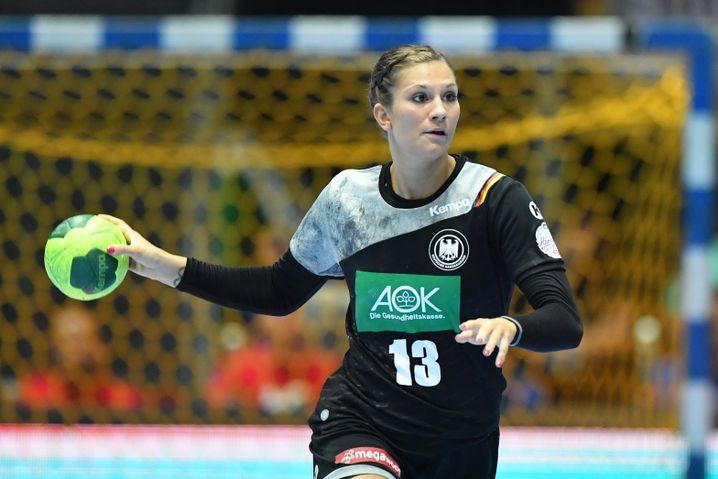 Julia Behnke ist Kreisläuferin beim deutschen Team
