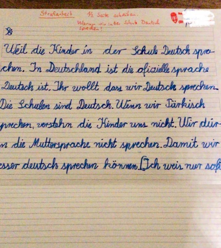 Strafarbeit der Neunjährigen, die auf dem Schulhof Türkisch sprach