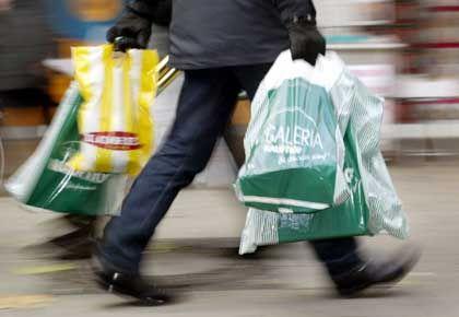 Verbraucher: Stagnierende Einkommen als Grund für schwachen Konsum