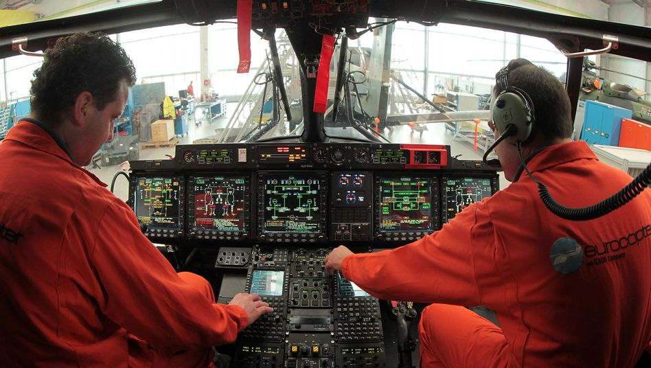 Montage des Militärhubschraubers NH90 der EADS-Tochter Eurocopter: Konzern meldete Hacker-Angriff der Regierung