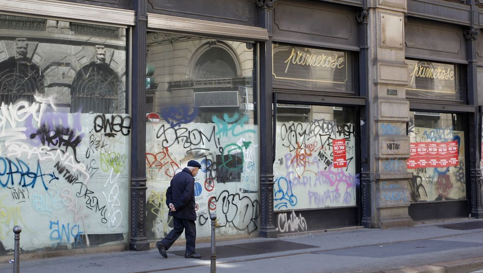 Photo Gallery: Italy's Decline